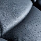【画像】車内の質感を高める本革シートカバー