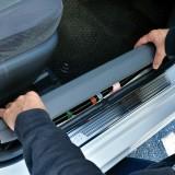 【画像】【DIY】車内の密閉性を高めるシリコン製モール