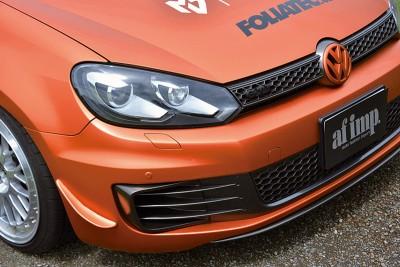 フロントメイクは、昨年北京モーターショーで発表されたゴルフ7コンセプト、R400を意識。バンパーサイドの小さなスポイラーがレーシーだ