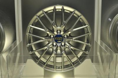 FZ-MG F1用マグネシウムホイールを世界で始めて作ったBBSが作ったストリート用鍛造マグネシウムホイール。19インチで35万円~
