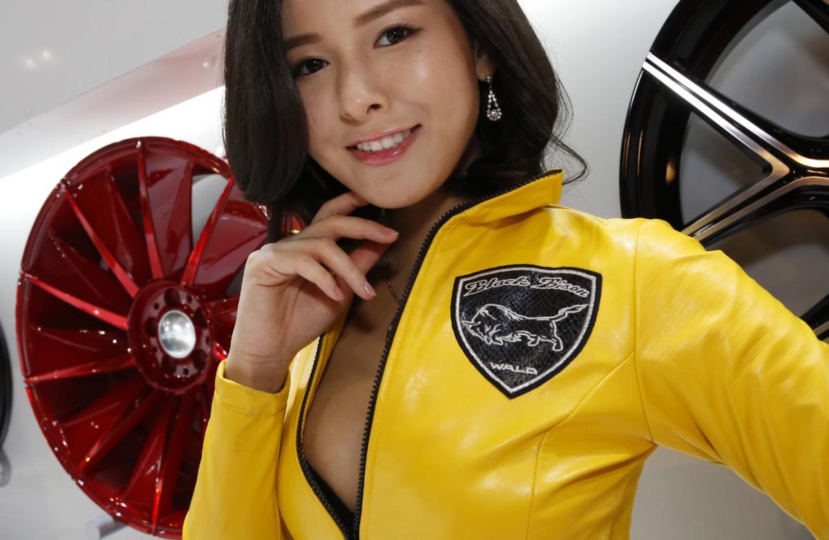 オートサロン2016「美乳(Nice  breast)」コンパニオンのベストショット14選