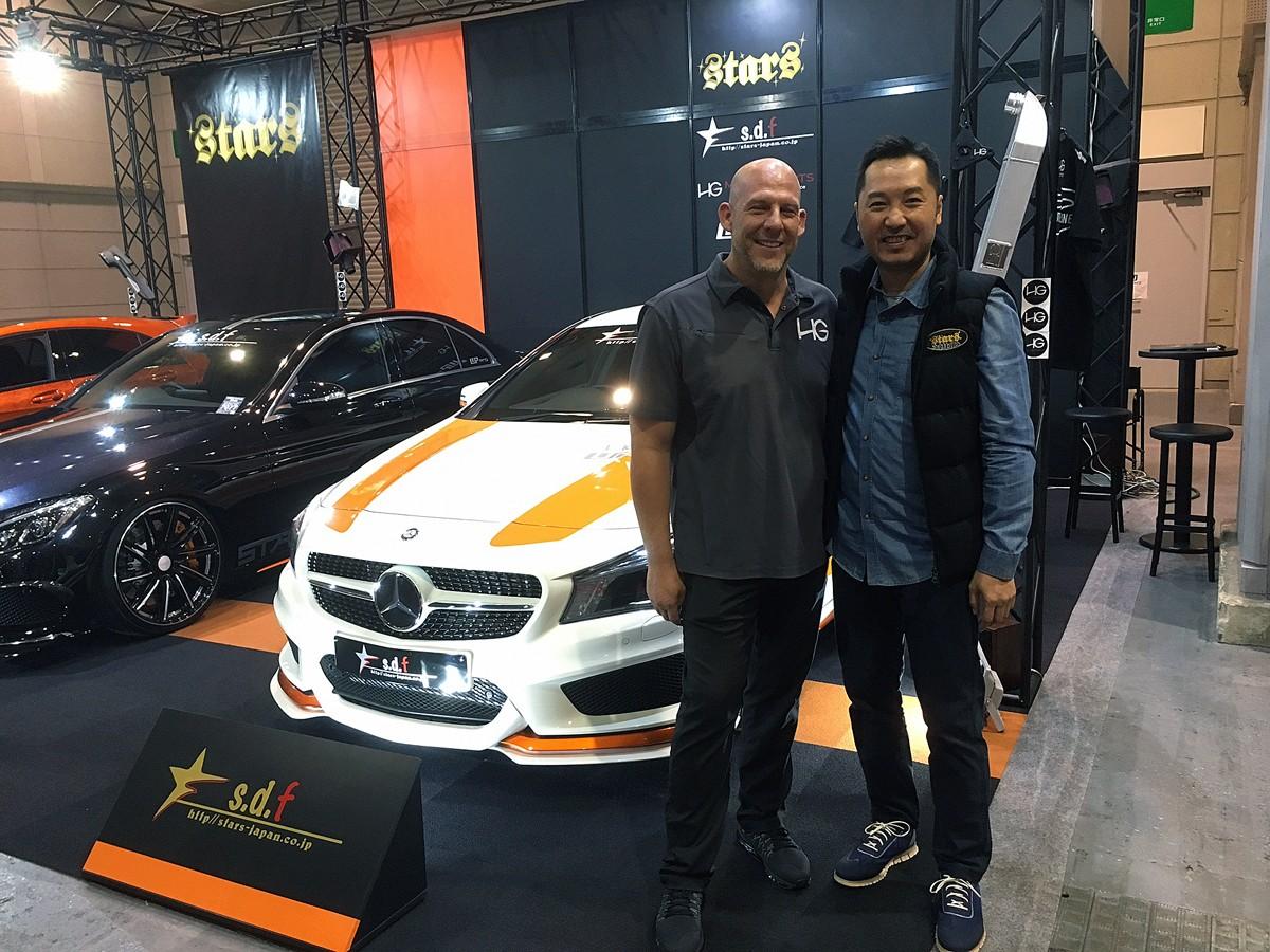 HGモータースポーツのマシュー氏と香港のシルクモンデリミテッドのマルコ氏。マシュー氏はブルース・ウィリスに似ている(!?)と会場で話題になっている