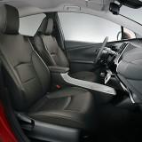 【画像】ビビッドなカラーのトヨタ新型プリウス用シートカバー登場