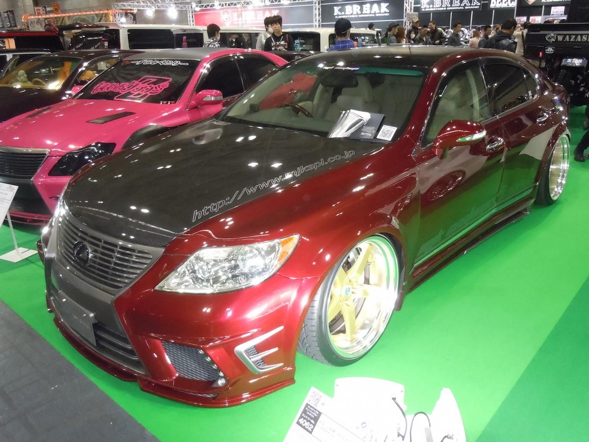 VIP業界の名店「MJKカスタムズ」が大阪オートメッセに参上
