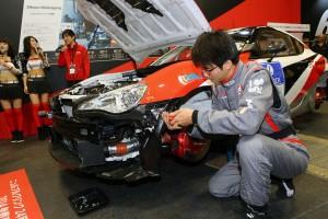大阪オートメッセ 「ガズーレーシング」が86レースマシンの秘密を公開