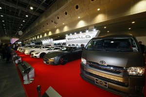 大阪オートメッセ「WALD」エアロ&ホイールが作るハイエンドな世界観