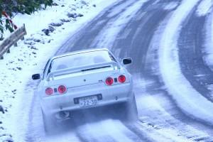 曲がる4WDを実現したR32型スカイラインGT-R