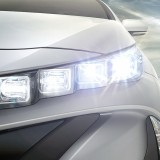 【画像】時代は4連LEDヘッドライトに!新型プリウスPHVがニューヨークショーで登場