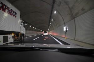 東京〜大阪往復1200km弾丸ドライブに最適なクルマとは