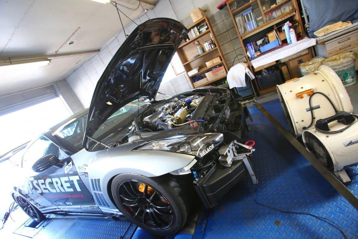 大迫力!「1000馬力」仕様の日産GT-Rシャーシダイナモ動画