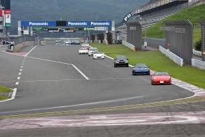 富士スピードウェイのレーシングコースを1時間フルに走れる
