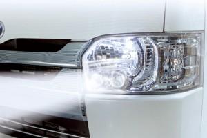 ヘッドライトの光軸を手元のスイッチ自由自在に調整可能