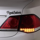 【画像】トヨタ200系クラウン用4灯式フルLEDテールがナイトシーンを圧倒!