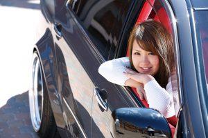 「セダン女子」1年生が選んだのはトヨタ18系クラウン