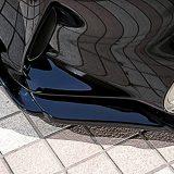 純正に合わせてアンダースポイラーも凸凹に造形。表面には幾重もラインを入れて、疾走感を演出