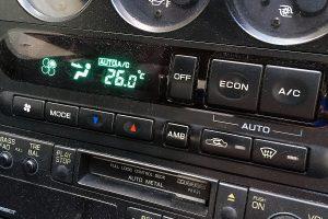 冷えないエアコンの正しい修理方法とは