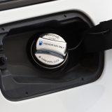 BMW&ミニの「フューエルキャップ」をメッキ仕様にサクッと変更