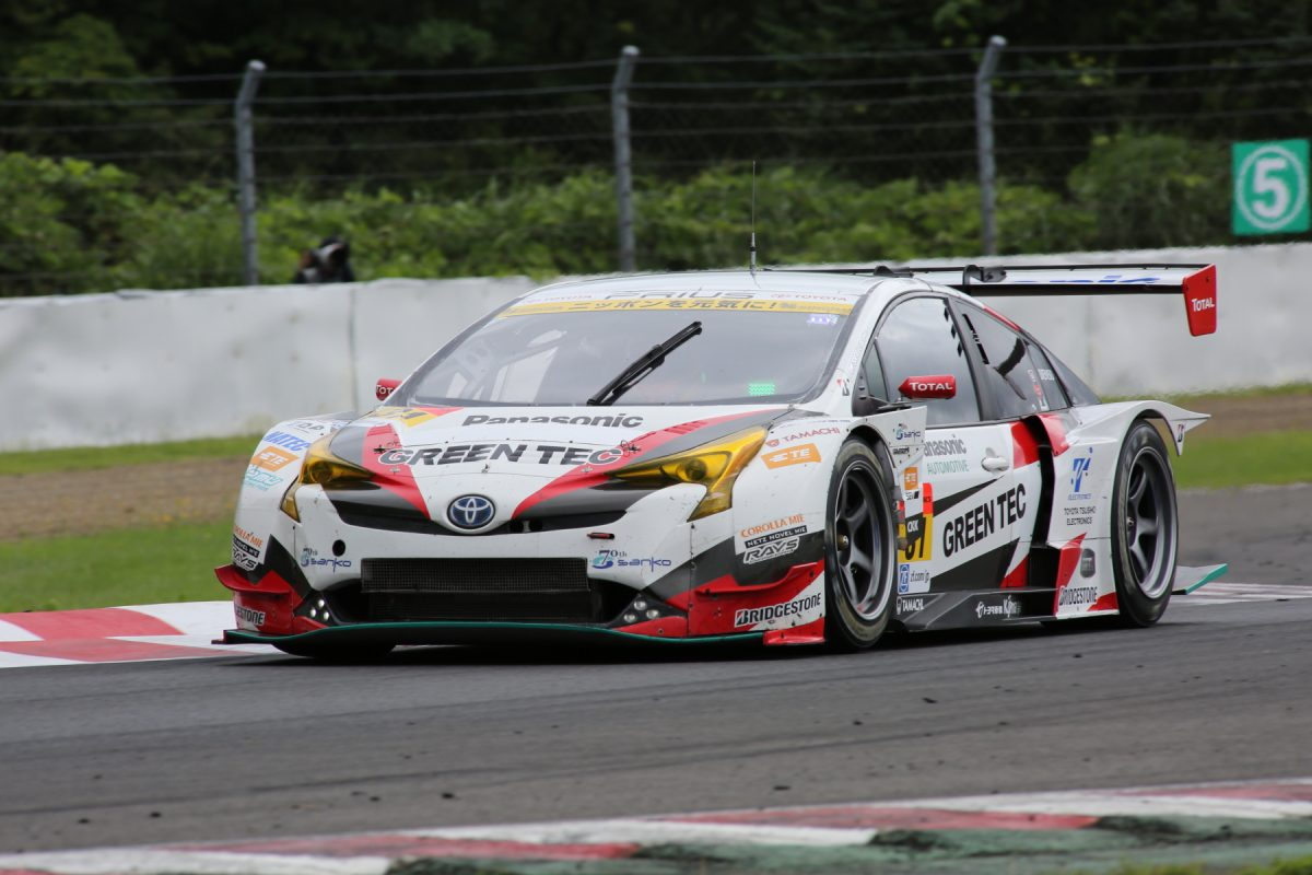 GT300クラスを制したNo.31 TOYOTA PRIUS apr GT