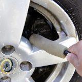【画像】【洗車術】ガンコなブレーキダストの汚れを落とす!