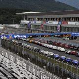 【画像】富士スピードウェイに全国から2800台の新旧86とBRZだ集結