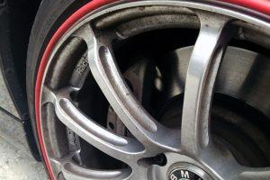 【洗車術】ガンコなブレーキダストの汚れを落とす!