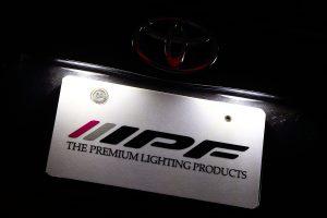 暗くならない「ナンバー用LEDバルブ」選びのポイントとは