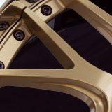 【画像】気品と豪華さを両立するゴールド仕様「マーベリック709M」