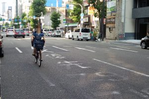 「無法自転車」のために失われるクルマのデザイン性