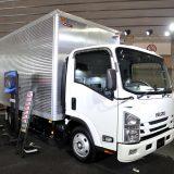 【画像】「いすゞ」がトラック用全周囲ビューモニターを提案【ジャパントラックショー2016】
