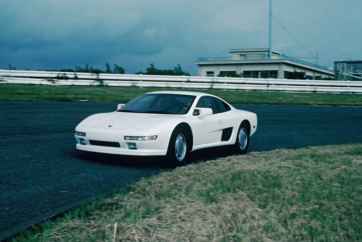1987年第27回東京モーターショーに出展された日産MID4-II