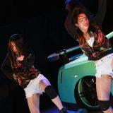 【画像】日産「JUKE」ジュークBOX!ビキニ美女もイケイケ!【クロスファイブ】