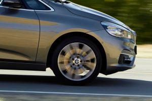 意外に知られていない「タイヤの振動を止める」あるパーツ