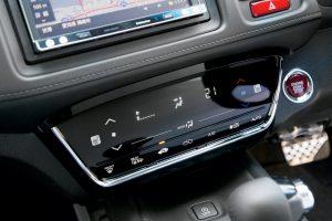指紋や傷からホンダ車のエアコンパネルを守る