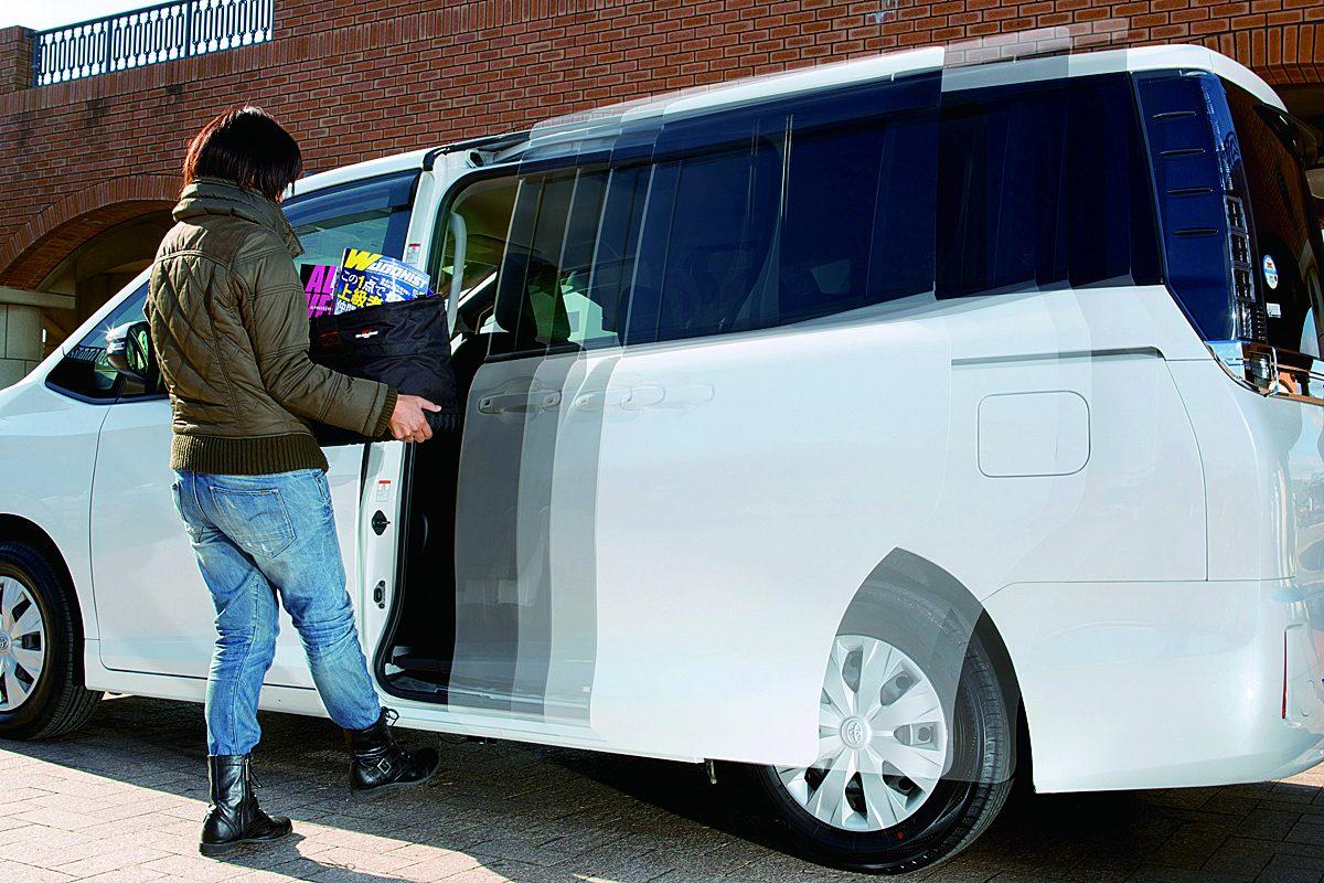 足をかざしてドアオープン!電動ドア開閉機能をさらに便利にするアイテム登場