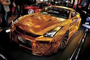 「KUHL」ゴールドGT-Rの次はトヨタ・ヴェルファイア