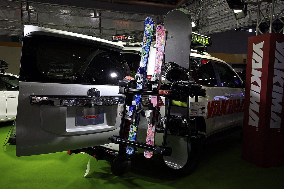 【大阪オートメッセ2017】アウトドアで活躍するスタイリッシュで機能的なカーキャリア6選