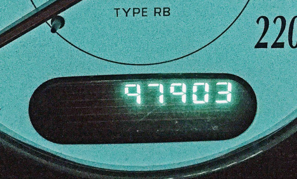 【購入ガイド】中古車は走行9万km超でグッと安くなる