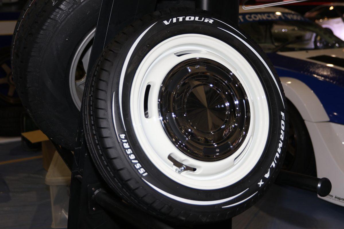 【大阪オートメッセ2017】軽自動車用タイヤにホワイトレターの醍醐味が味わえる!
