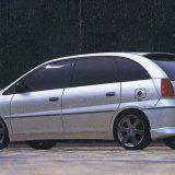【画像】[連載] ミニバン&ワゴンのトレンドをユーザーカーで振り返る【2001〜2002年編】 (1/2ページ)
