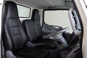 前席2脚で1万円台を実現した車種別設計「シートカバー」