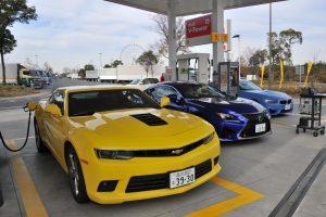 『ガソリンスタンド』利用者は「7割がセルフ」で「64%が満タン給油 」