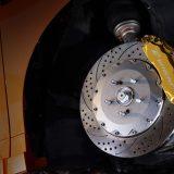 サイズや色など豊富な選択肢を持つ大容量ブレーキシステム