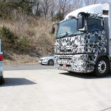 【画像】7.7リッターのダウンサイジングエンジンとは?三菱ふそう大型トラック『スーパーグレート』速攻試乗記