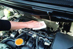 エンジンルームとメッキパーツを美しくする専用洗車グッズ3選