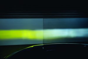 ホワイトとイエローの発光を可能とした「ベロフ」のLEDバルブ