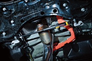 車体の振動を抑え走安性がアップする「ボディダンパー」