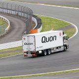 【画像】富士スピードウェイで大型トラック「クオン」を全開試乗!