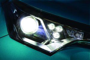 C-HR専用設計のLEDヘッドライトバルブが登場【スマート】