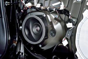 静粛性の高いハイブリッドカーこそ高音質スピーカーの実力が発揮できる!