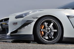 「TE37ウルトラ」に高級感を漂わせる新たな「艶色」を追加ラインアップ